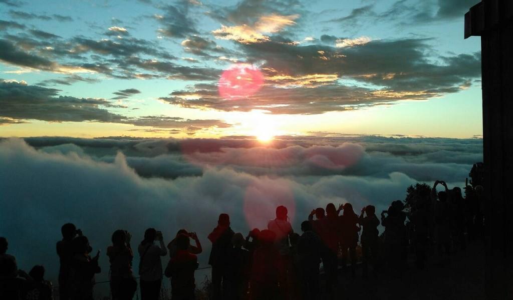 早朝の登山デートで有意義な1日を過ごそう! | こうたろの「ああ登山で ...
